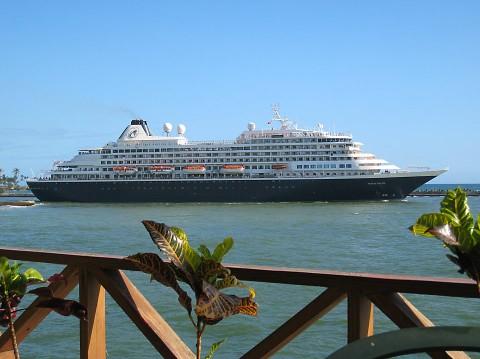 Cruise_Ship1
