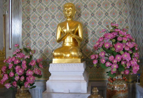 Wat Traimit Small Buddha Statue