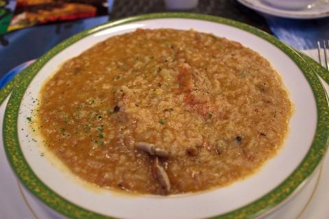 Angola Rice and Seafood Stew