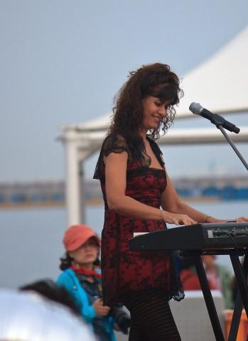 Las Folkies Keyboardist Silvana Albano