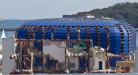 Samsung pavilion demolition