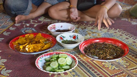Lao snacks