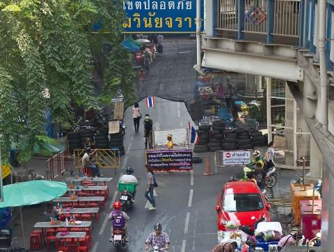A quiet Silom Road