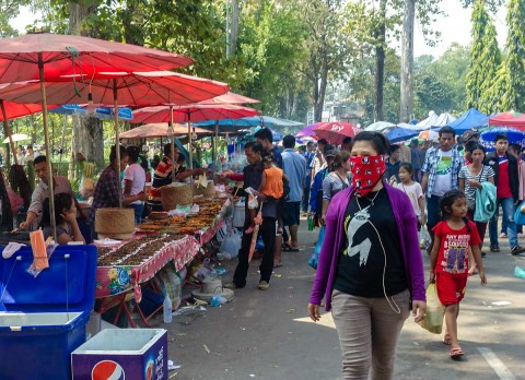 Food vendors on the main street