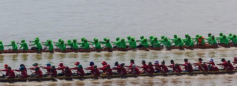 Women's boat racing
