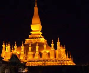 That Luang at night. Not my photo, but one I pulled off the internet from an Italian site, www.orientamenti.it