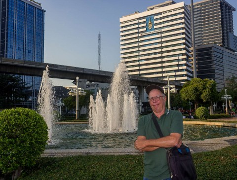 Ron at fountain at Lumphini Park